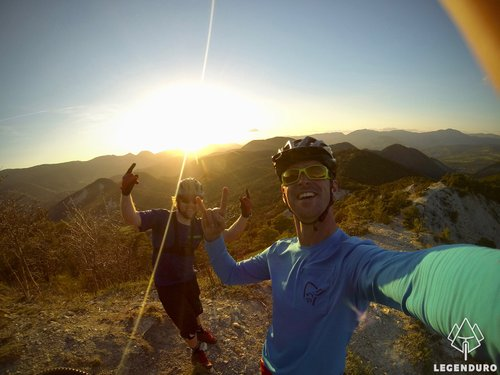 mountainbikers at sunset in the Provence